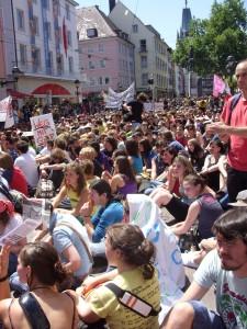Freiburger Demo zum Bildungsstreik